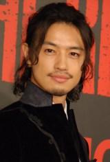 映画『HiGH&LOW THE RED RAIN』完成舞台あいさつに出席した斎藤工 (C)ORICON NewS inc.