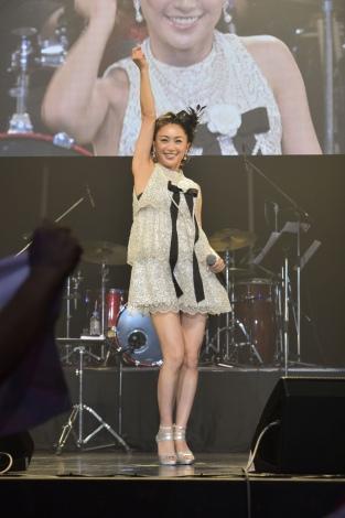 『酒井法子30th ANNIVERSARY コンサート』 写真:五十嵐杏奈