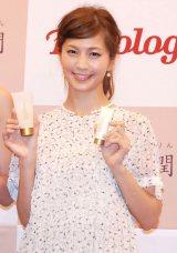 婚約指輪の値段を明かした安田美沙子 (C)ORICON NewS inc.