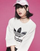 メンズファッションを着こなした欅坂46・平手友梨奈『smart』11月号/宝島社)
