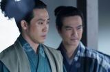 NHK大河ドラマ『真田丸』第33回より。行く末を案じる信繁と信幸(C)NHK