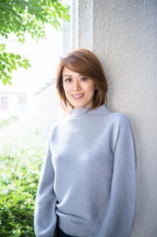 サムネイル ブログで結婚を発表した蘭寿とむ (写真・鈴木かずなり)