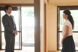 10月11日放送、関西テレビ・フジテレビ系『ラブドラマバラエティー 50キュン恋愛物語』より(左から)葛山信吾、有森也実(C)関西テレビ