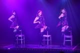 SKE48劇場デビュー8周年前夜祭「ミッドナイト公演」より「誘惑のガーター」(C)AKS