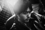 10月26日に1stシングル「泣いたロザリオ」をリリースする青柳翔