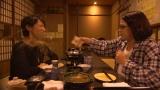 読売テレビ・日本テレビ系連続ドラマ『黒い十人の女』(毎週木曜 後11:59)でバトルを繰り広げる水野美紀と佐藤仁美(C)読売テレビ