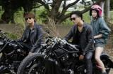 『HiGH&LOW THE RED RAIN』に出演する(左から)TAKAHIRO、登坂広臣、吉本実憂 (C)2016「HiGH&LOW」製作委員会