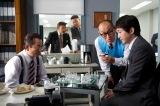特命係にやってきて右京(水谷豊)とチェスをしたり(C)テレビ朝日