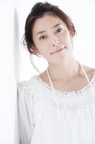 白い服の須藤理彩