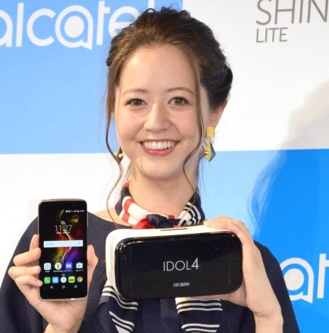 新恋人について語った春香クリスティーン=『Alcatel』の新製品発表会 (C)ORICON NewS inc.
