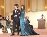 『第17回 ベストフォーマリスト賞 2016』授賞式に出席した(左から)及川光博、桐谷美玲 (C)ORICON NewS inc.