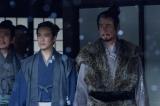 第37回「信之」より。真田家の面々に見送られる昌幸たち(C)NHK