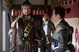 NHK大河ドラマ『真田丸』第37回より。大坂城が落ち、三成が捕らえられたとのしらせが届く(C)NHK