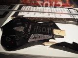 『KISS EXPO TOKYO 2016〜地獄の博覧会〜』東京・原宿のラフォーレミュージアムで開催。ブロークンギター。2015年2月28日、仙台公演の時のもの(C)ORICON NewS inc.