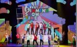 舞台『おそ松さん on STAGE〜SIX MEN'S SHOW TIME〜』東京公演ゲネプロの模様 (C)赤塚不二夫/「おそ松さん」on STAGE製作委員会2016