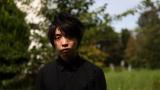 21日スタートの『ナミノリ!ジェニー』でジャニーズWEST・桐山照史から密着取材を受けるメディアアーティスト・落合陽一 (C)MBS