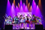 46thシングル「ハイテンション」を初披露したAKB48(C)AKS