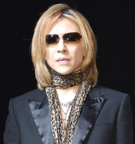 「全身筋肉痛」も着物ショーで圧巻ドラム演奏を披露したYOSHIKI=『Amazon Fashion Week TOKYO』 (C)ORICON NewS inc.
