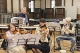 杏主演の映画『オケ老人!』。「梅響」メンバーたちの演奏シーンを収めた本編映像が公開