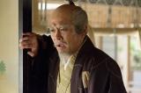 大河ドラマ『真田丸』第42回「味方」より。 家康(内野聖陽)は幸村の大坂城入城の知らせを受ける(C)NHK