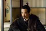 大河ドラマ『真田丸』第42回「味方」より。 秀頼は幸村に豊臣の総大将になるよう伝える(C)NHK