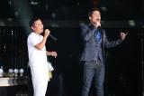 『岡村隆史のオールナイトニッポン歌謡祭 in 横浜アリーナ』に出演した(左から)岡村隆史、久保田利伸