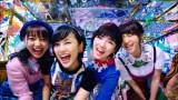 AKB48の46thシングル「ハイテンション」MVに出演する(左から)木崎ゆりあ、兒玉遥、岡田奈々、高橋朱里