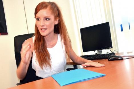 仕事を依頼するときに使える英語表現を紹介。立場に応じて使い分けよう