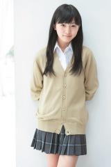 「美少女特集」でも反響を呼んだ17歳、鈴木茜音 (C)Takeo Dec./週刊ヤングジャンプ