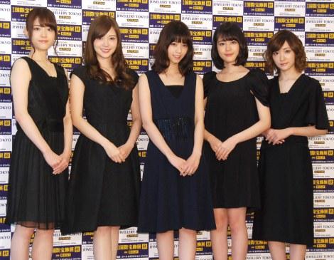 『第2回クリスマスジュエリープリンセス賞』歌手部門を受賞した乃木坂46 (C)ORICON NewS inc.