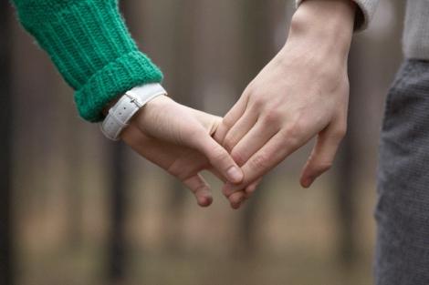 欧米人は告白なしで交際がスタートする!? 恋愛にみられる特徴3つを紹介