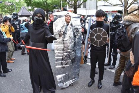 『カワサキハロウィン2016』の「スター・ウォーズ」パレードの模様(C)ORICON NewS inc.