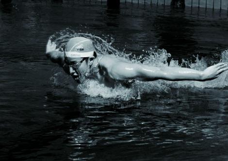 """アスリートなどの""""筋肉美""""をテーマとした『カラダ写真展』が開催 写真は競泳の瀬戸大也選手 (C)日本テレビ"""
