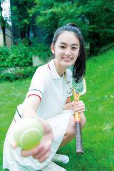 『ヤングジャンプ』47号に初登場する八木莉可子(C)Takeo Dec./週刊ヤングジャンプ