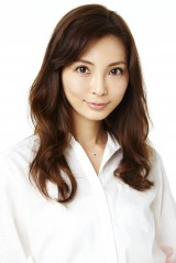 涌井秀章投手との結婚を報告した押切もえ