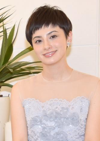「お待ちしております!」と笑顔で呼びかけたホラン千秋 (C)ORICON NewS inc.