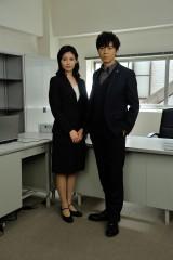 上川と本仮屋の本格共演は今回が初めて(C)テレビ朝日