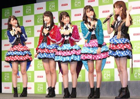 『HKT48vs欅坂46 つぶやきCMグランプリ』開催発表記者会見を行ったHKT48 (C)ORICON NewS inc.
