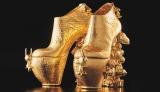 串野真也さんとUSJがコラボレーションした、200万円のスヌーピーハイヒール。完全受注生産。履くこともできます
