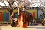 大河ドラマ『真田丸』第27回より。秀吉主催の酒宴において秀次らは出し物を披露するが・・・