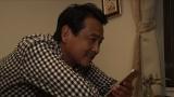 テレビ朝日系『イチから住〜前略、移住しました〜』11月20日放送分から、俳優・野村宏伸の静岡県下田市篇がスタート。妻と電話で話していると…(C)テレビ朝日