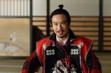 NHK大河ドラマ『真田丸』第46回「砲弾」(11月20日放送)より。有楽斎は秀頼らに徳川との和睦を持ちかける(C)NHK