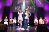 大矢真那は速水けんたろう&キッズと共演=『みんなが主役!SKE48 59人のソロコンサート〜未来のセンターは誰だ?〜』2日目昼公演より(C)AKS