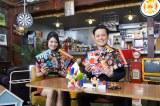 新番組『有田と週刊プロレスと』に出演する(左から)倉持明日香、有田哲平 (C)flag Co.,Ltd.