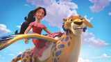 金剛インコとジャガーの混血で空を飛ぶことができるジャークインに乗って飛び回るエレナ(C)Disney