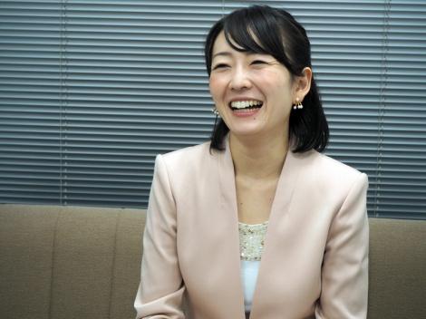 狩野恵里インタビューベージュジャケット