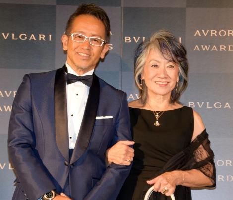 『BVLGARI AVRORA AWARS』のゴールデンカーペットイベントに登場した宮本亜門氏、奈良橋陽子氏 (C)ORICON NewS inc.