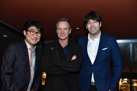 J-WAVEの公開収録で亀田誠治氏(左)、サッシャ氏(右)と音楽談義したスティング Photo by Kayoko Yamamoto