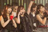 NMB48が山本彩センターの新曲を劇場で披露(右は山本彩加)(C)NMB48