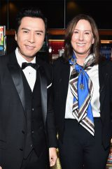 TCLチャイニーズ・シアターで行われたセレモニーに駆けつけたルーカスフィルム社長のキャスリーン・ケネディと